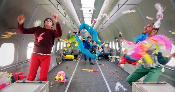 OK Go videoclip zonder zwaartekracht