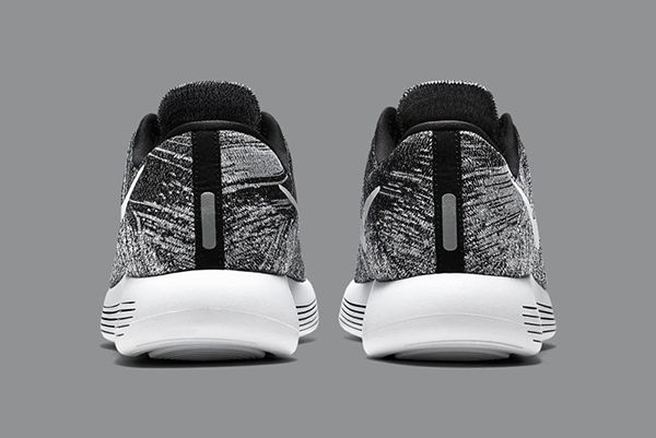 Nike LunarEpic Flyknit Low 'Oreo' Sneakers